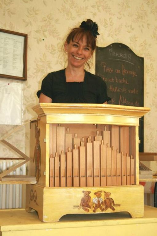 tour de chant en EHPAD à l'orgue de Barbarie