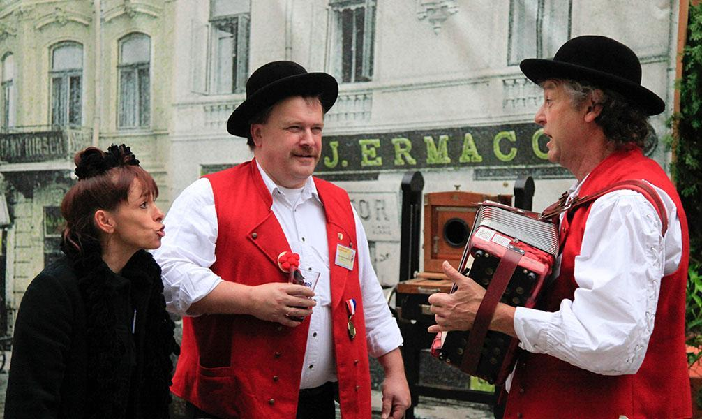 en Roumanie avec deux musiciens allemands