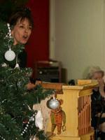 animation de Noël en maison de retraite à l'orgue de Barbarie