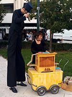 animation de marché à l'orgue de Barbarie